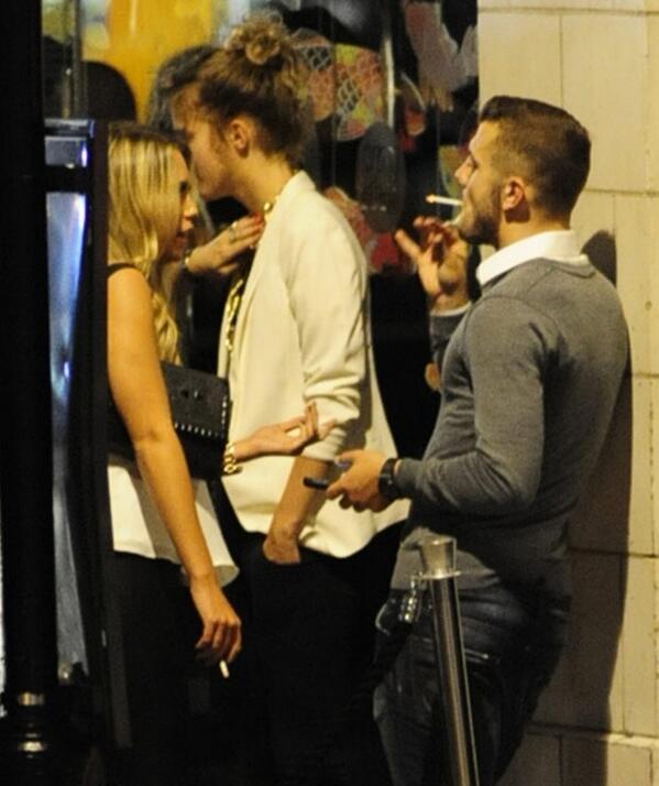 wilshire smoking.jpg