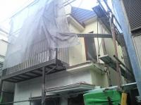 足場、外壁塗装途中