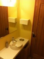 美容室内トイレ(手洗カウンター)