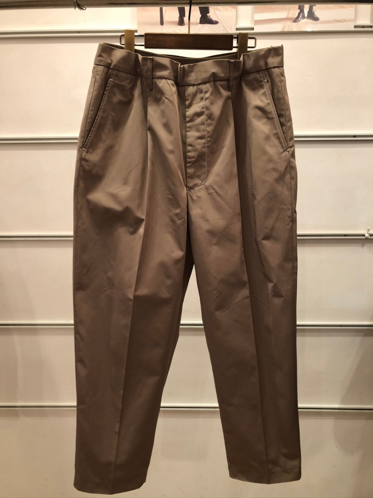 UTSFW20-P02_Easy Dress Pants_Beige_表_29000.jpg