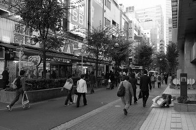 新宿西口ヨドバシ1