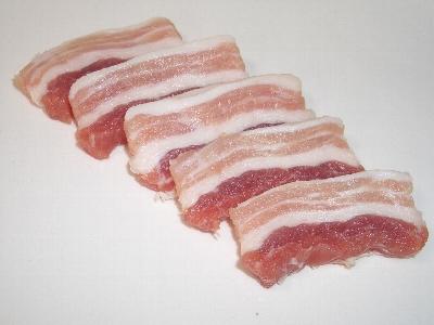 しお豚(スーチキー)をフライパンで焼きます