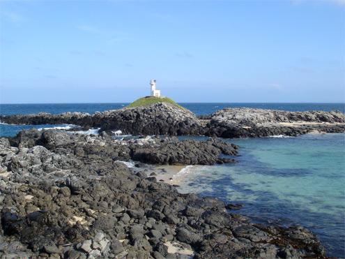 大浜の灯台へだいぶ近づきましたが。。