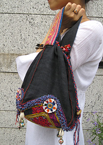 インド刺繍の巾着BAG