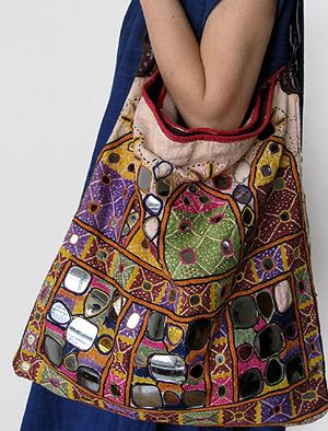 インドのミラー刺繍バッグ