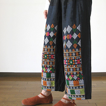 ヤオ族刺繍のパンツ