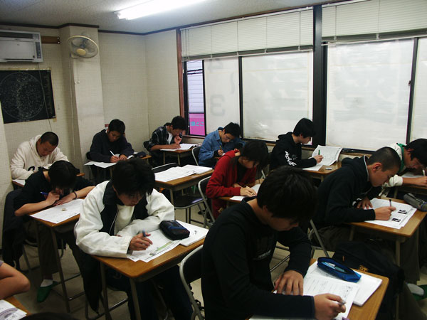 中学生の授業風景
