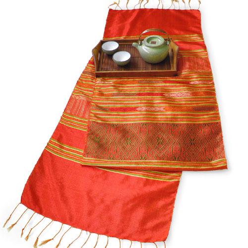 浮き織りシルク布(赤)
