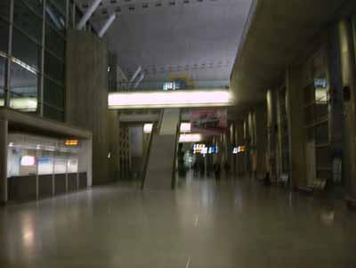 061018_冷たい空港