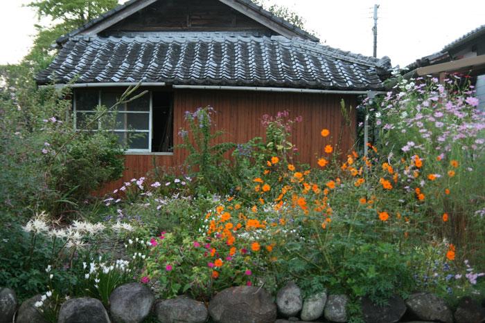 101021_花の咲く庭