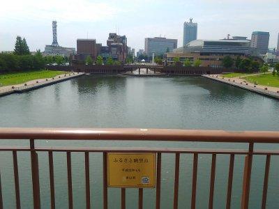 富山運河環水公園