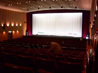 日比谷映画館内