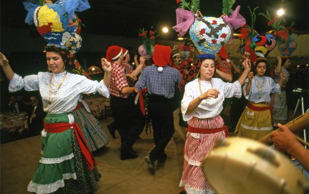 Festival Folk dance 祭典の民族舞踊