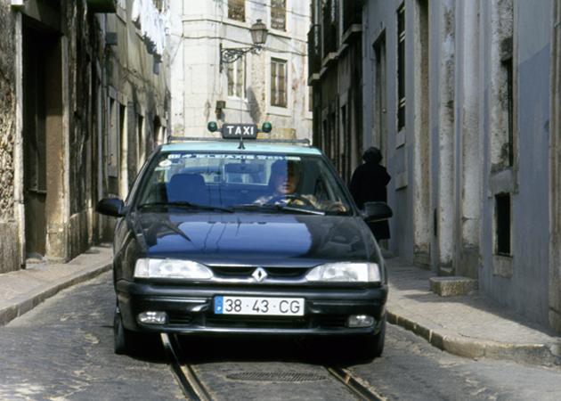 Taxi タクシー