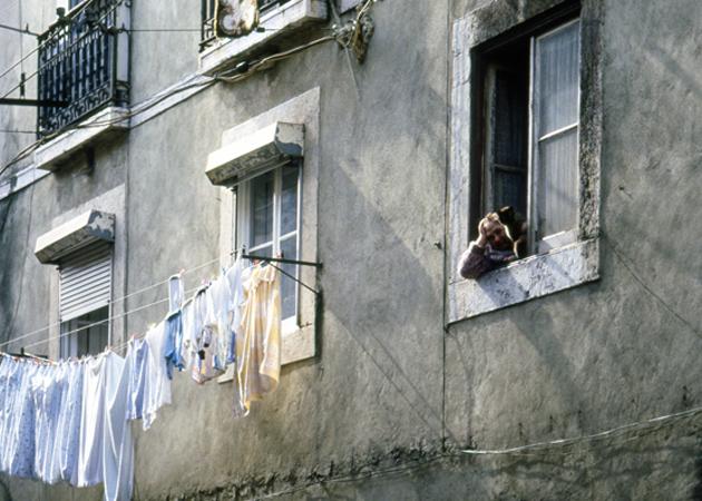 Washing cloths at Alfama アルファマの洗濯干し