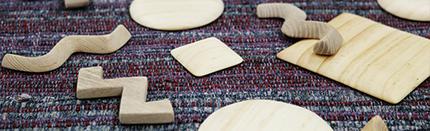 ギャラリータキオンコート 秋展 木工ブローチ
