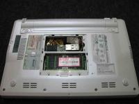 EeePC(Eee PC)を分解改造してUSBを増設してBluetooth(ブルートゥース)を組み込む、メモリベイに内蔵している写真2