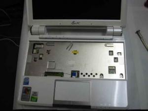 キーボードを外したASUS Eee PC・EeePC901