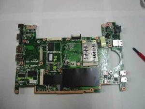 さて、ASUS Eee PC・EeePC901の背面の基板の写真。