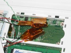 ASUS Eee PC・EeePC 4G-XUに内蔵USBポートを増設する3