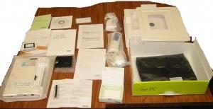 Asus Eee PC 701 SD-Xのパッケージ内容物