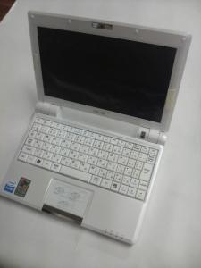 ASUS Eee PC 900-Xの全体の写真