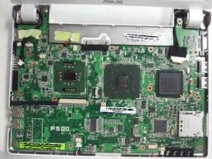 ASUS Eee PC 900-Xのマザーボードの上面写真