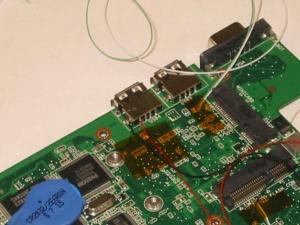 Asus Eee PC 900−Xの改造術式、電源の取得