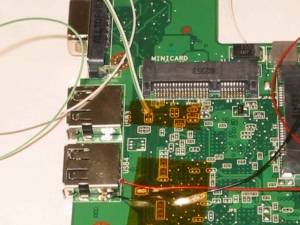Asus Eee PC 900−Xの改造術式、USB1の信号取得