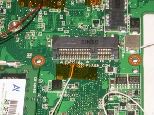 Asus Eee PC 900−Xの改造術式、USB2の信号取得