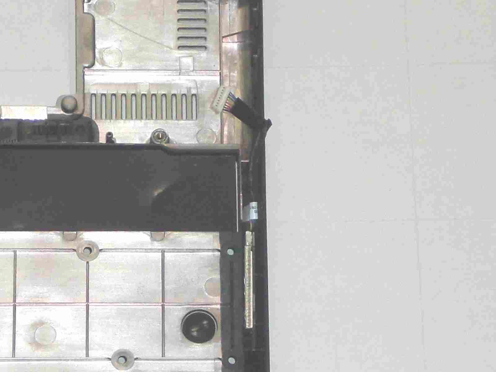 ASUS Eee S101H 筐体下部のディティール2 BlueTooth ユニット