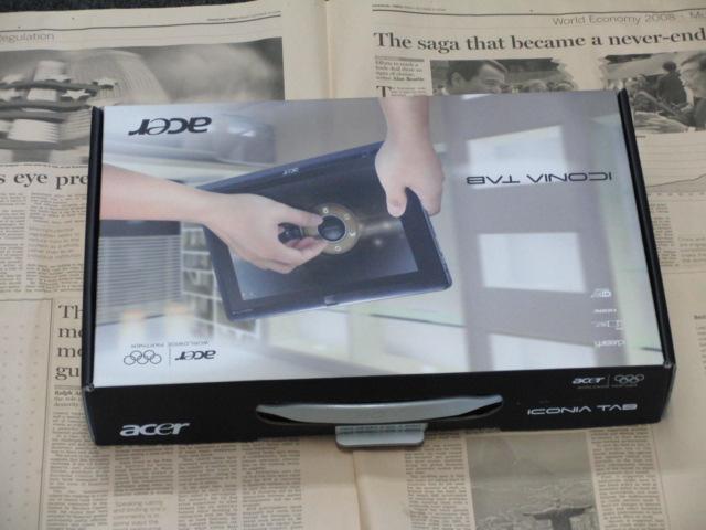Acer ICONIA TAB W500 化粧箱