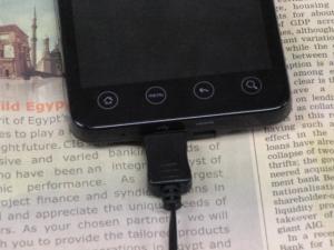google アンドロイド HTC EVO WiMAX(au ISW11HT)