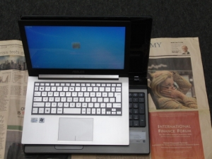 Aspire AS5750-F58D/LK 分解 メモリ増設 評価 レビュー ZENBOOK UX31E MSI WindPad 110W 大きさ比較