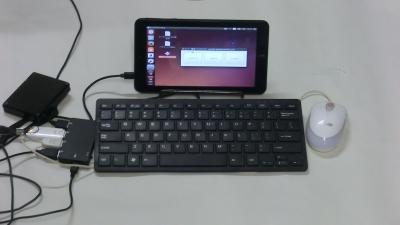 充電ハブで簡易デスクトップ