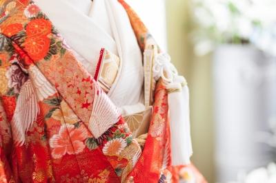 和装前撮り付き衣装レンタルプランがお得なのは東京青山の大人ウェディング.com青山サロン