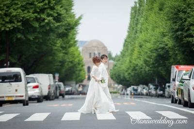 ロケフォト付き衣装レンタルプランが激安格安なのは東京青山の大人ウェディング.com青山サロン