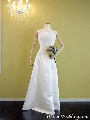 激安格安ウェディングドレスは大人ウェディング.com青山サロン