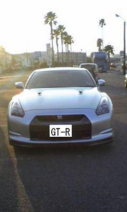 GT-R 前面