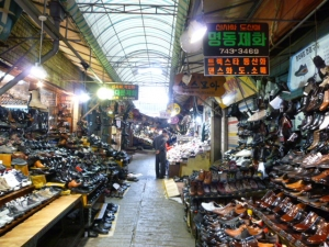 東大門靴卸市場