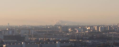 2015年12月18日朝、船橋市潮見町のスクラップ工場で火事