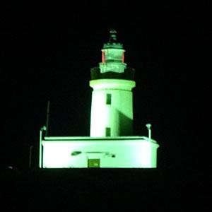 ライトアップされた洲埼灯台
