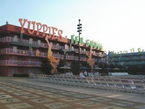 ディズニー・ワールド:ポップセンチュリー90年代棟プール