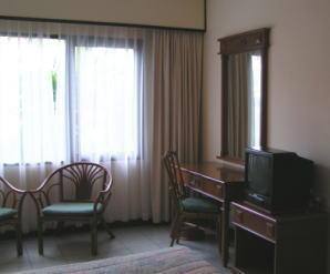 サヌール・パラダイス・スイートのメインベッドルーム2
