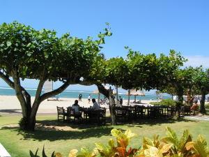 グランド・ミラージュのビーチには木陰もあり快適