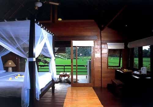 テガル・サリ Wooden Room