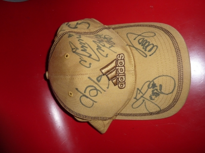 ディズニーランドでサインしてもらった帽子