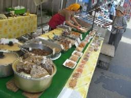 栄光肉屋さんのブース:お惣菜も沢山♪