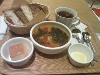青山アンデルセンのランチ「スープセット」