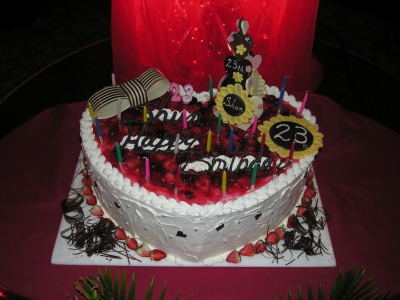 大きなハートケーキ
